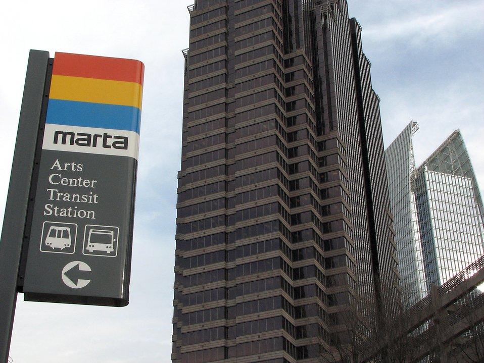 Closeup of train station sign in Atlanta, Georgia : Free Stock Photo