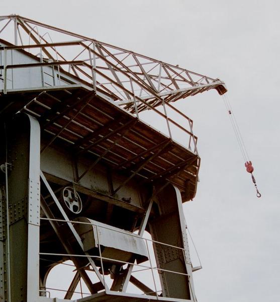 Base of a white crane : Free Stock Photo