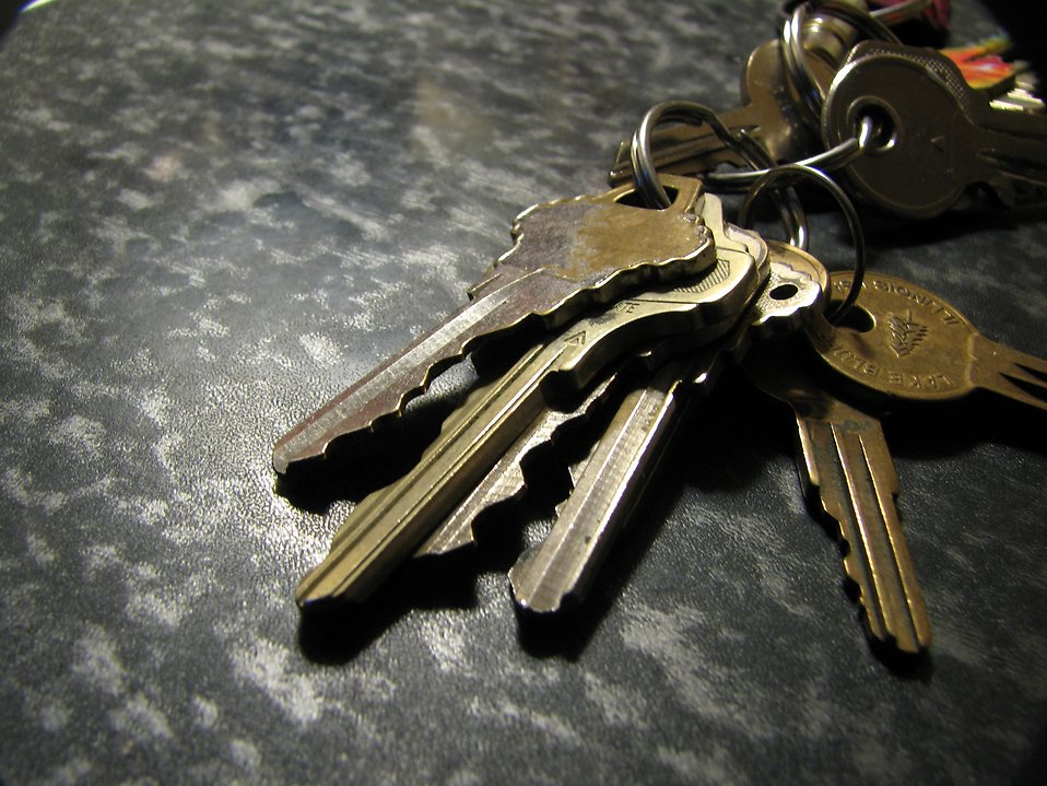 Closeup of keys on a ring : Free Stock Photo