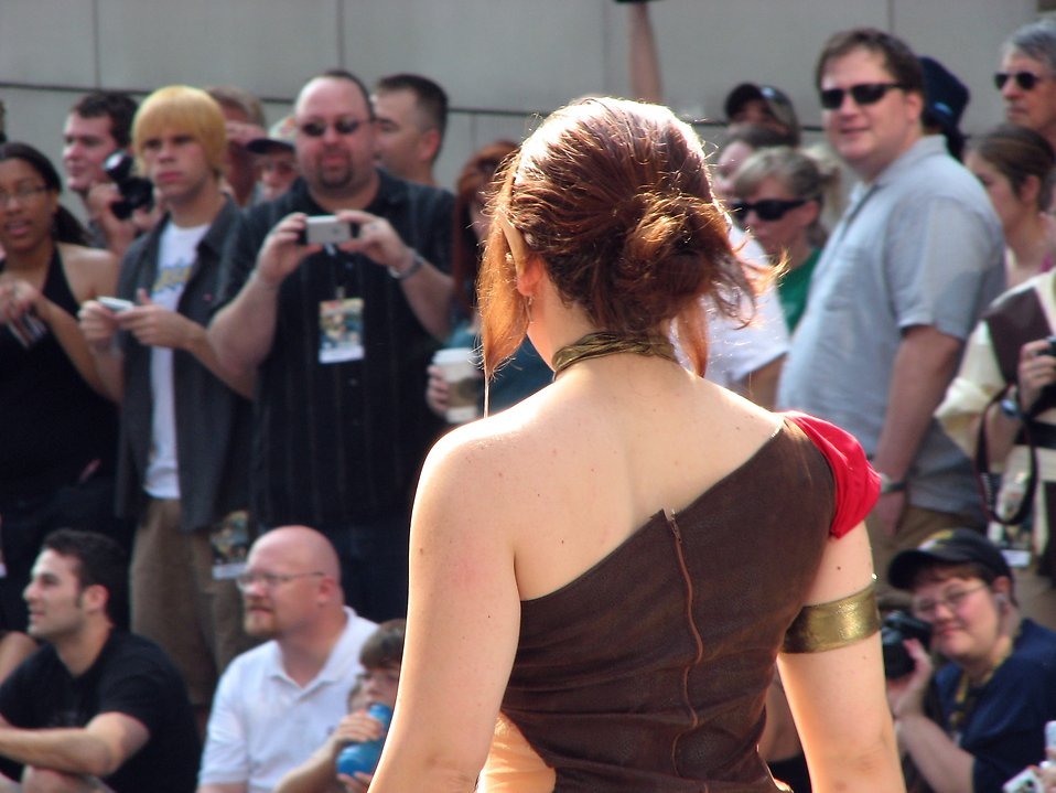 Girl in elf costume in 2008 Dragoncon parade : Free Stock Photo