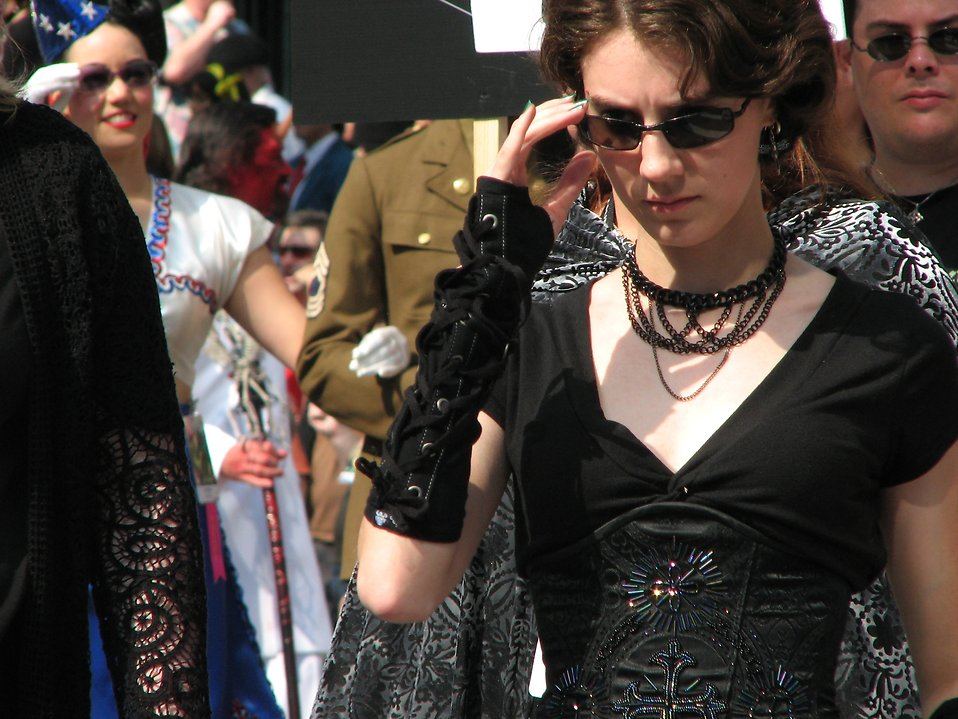 Teen girl in a goth costume in the 2008 Dragoncon parade : Free Stock Photo
