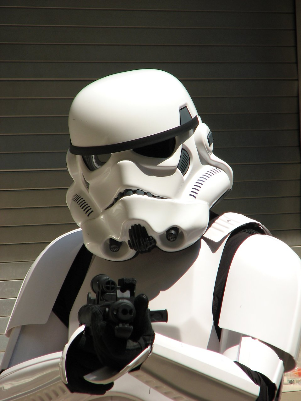 Closeup of Stormtrooper costume with blaster at Dragoncon 2008 : Free Stock Photo