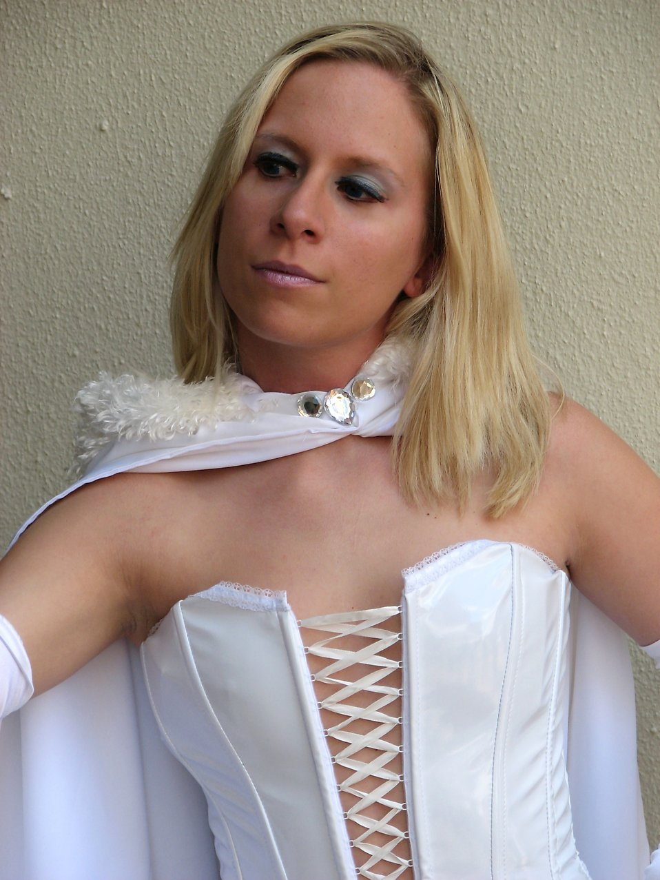 Beautiful blonde in white super hero costume at Dragoncon 2008 : Free Stock Photo