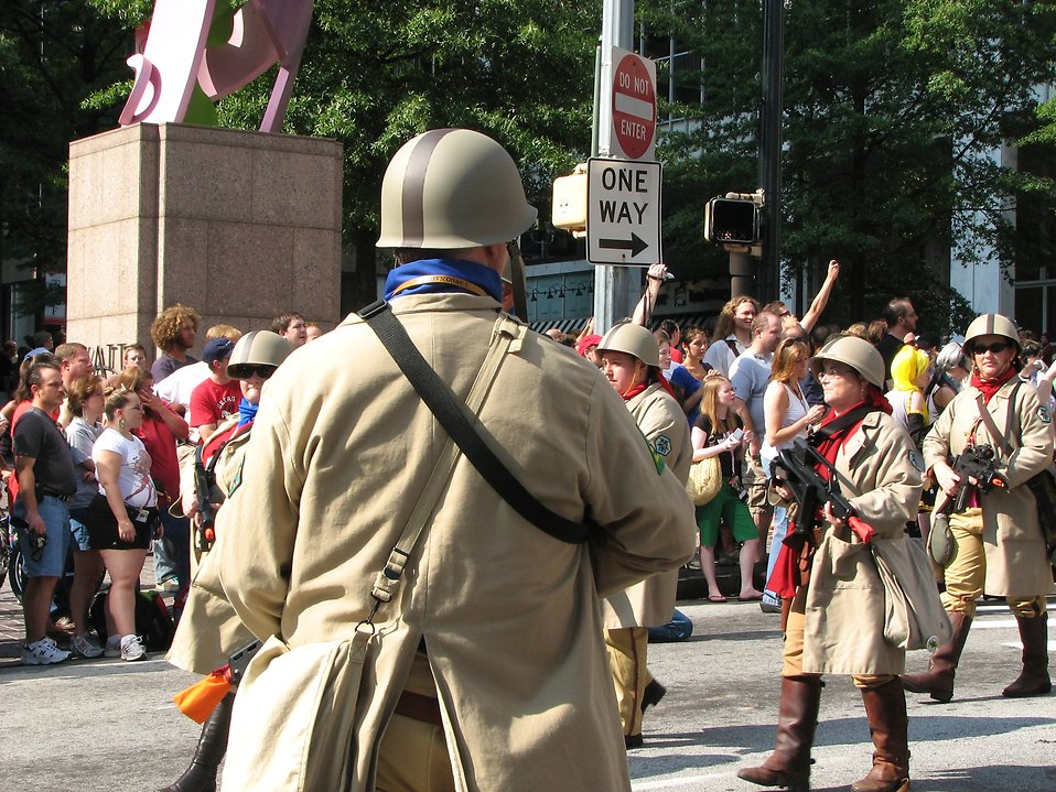 Futuristic soldiers marching in the 2008 Dragoncon parade : Free Stock Photo