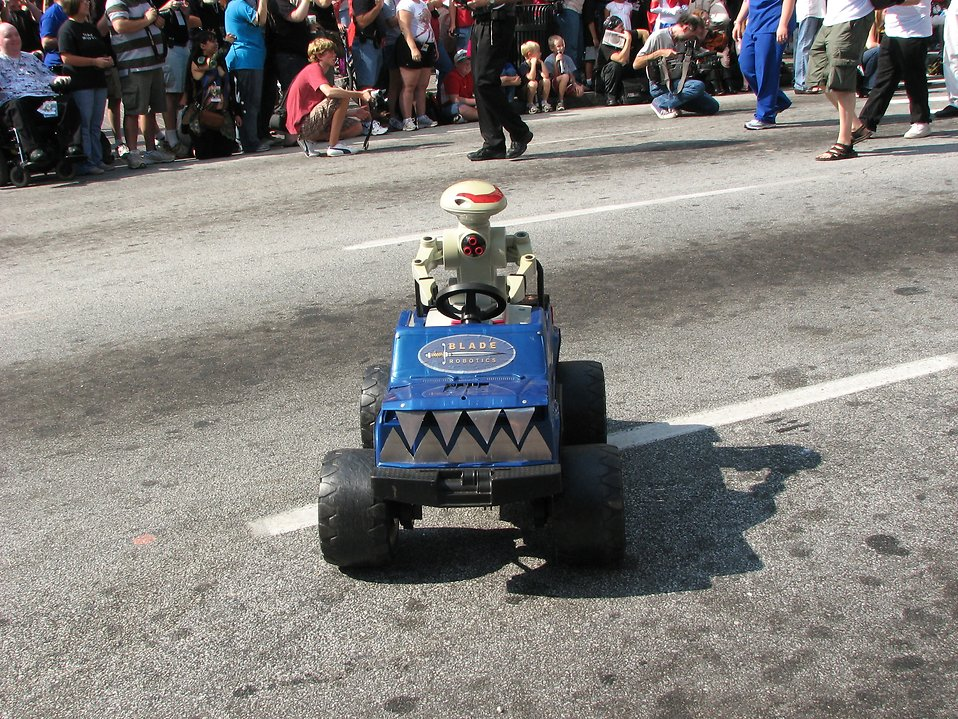 Robot driven RC car in 2008 Dragoncon parade : Free Stock Photo