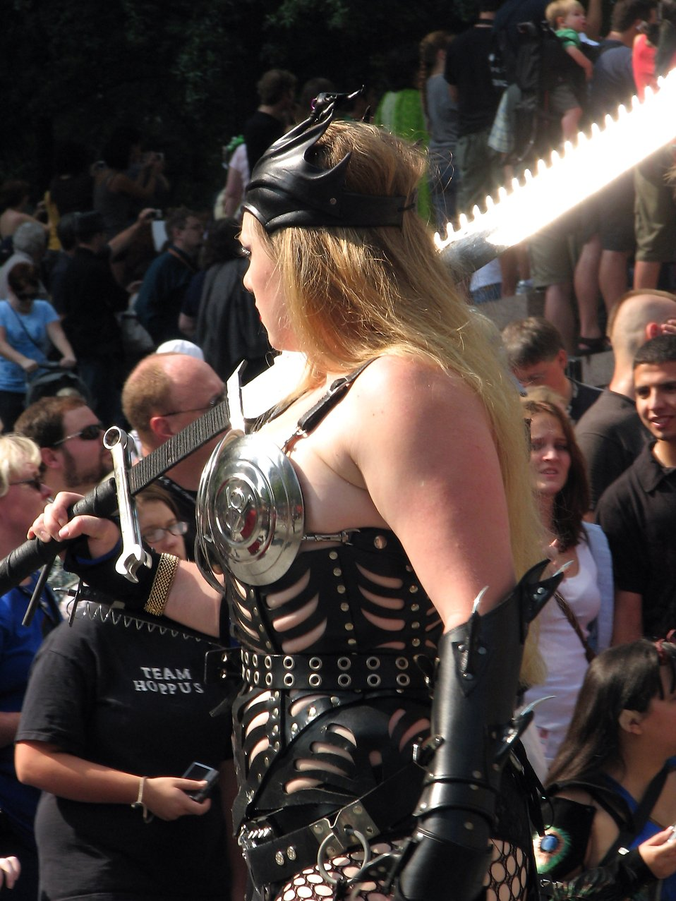 Tall blonde barbarian costume with sword in the 2008 Dragoncon parade : Free Stock Photo
