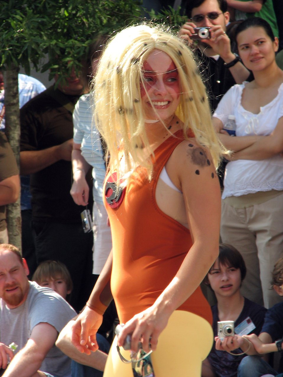 A woman in a Cheetara costume in the 2008 Dragoncon parade : Free Stock Photo