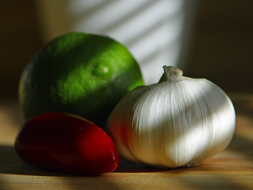 A garlic clove with other food : Free Stock Photo
