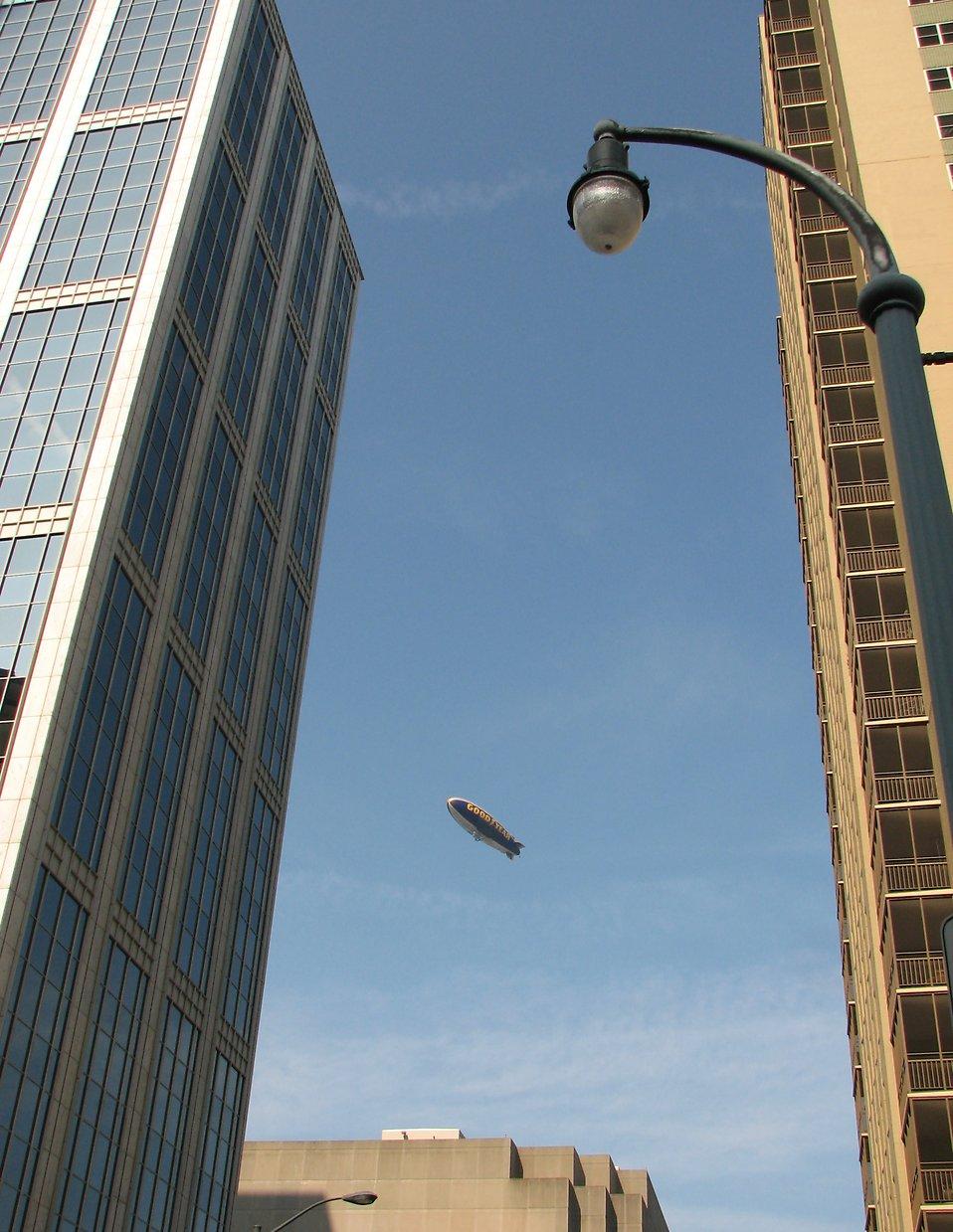 Goodyear blimp over Atlanta, Georgia : Free Stock Photo