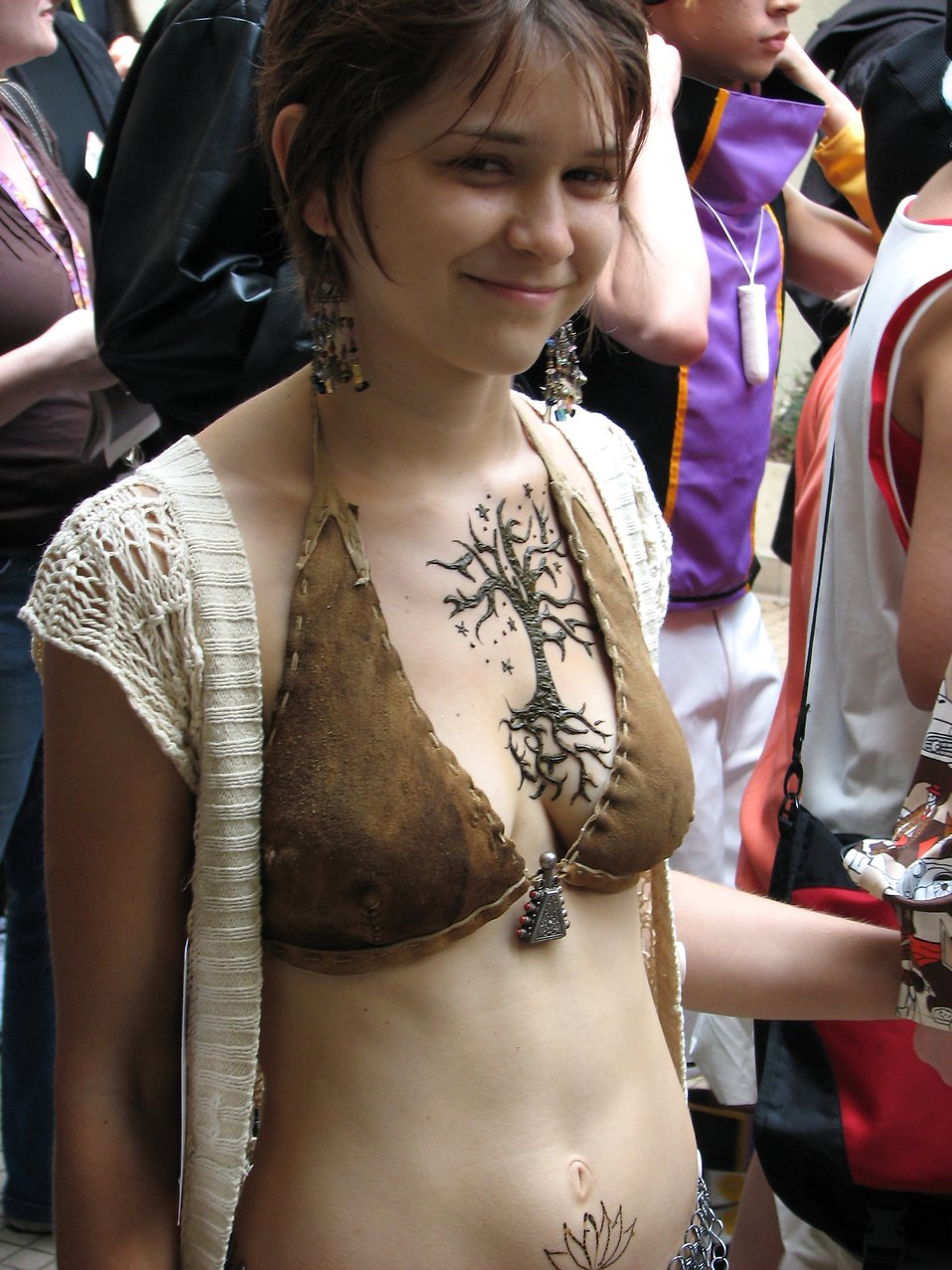 Beautiful girl in costume with tattoo at Dragoncon 2008 : Free Stock Photo