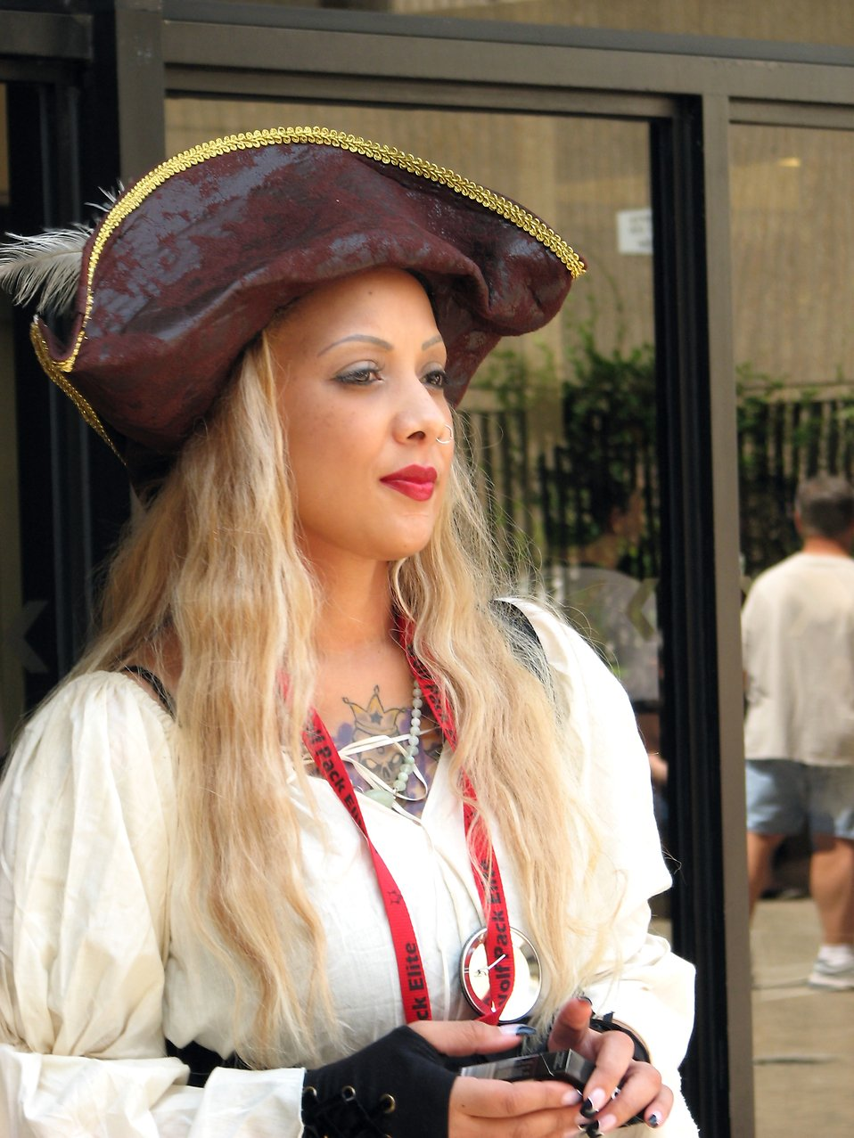 Beautiful woman in a pirate costume at Dragoncon 2008 : Free Stock Photo