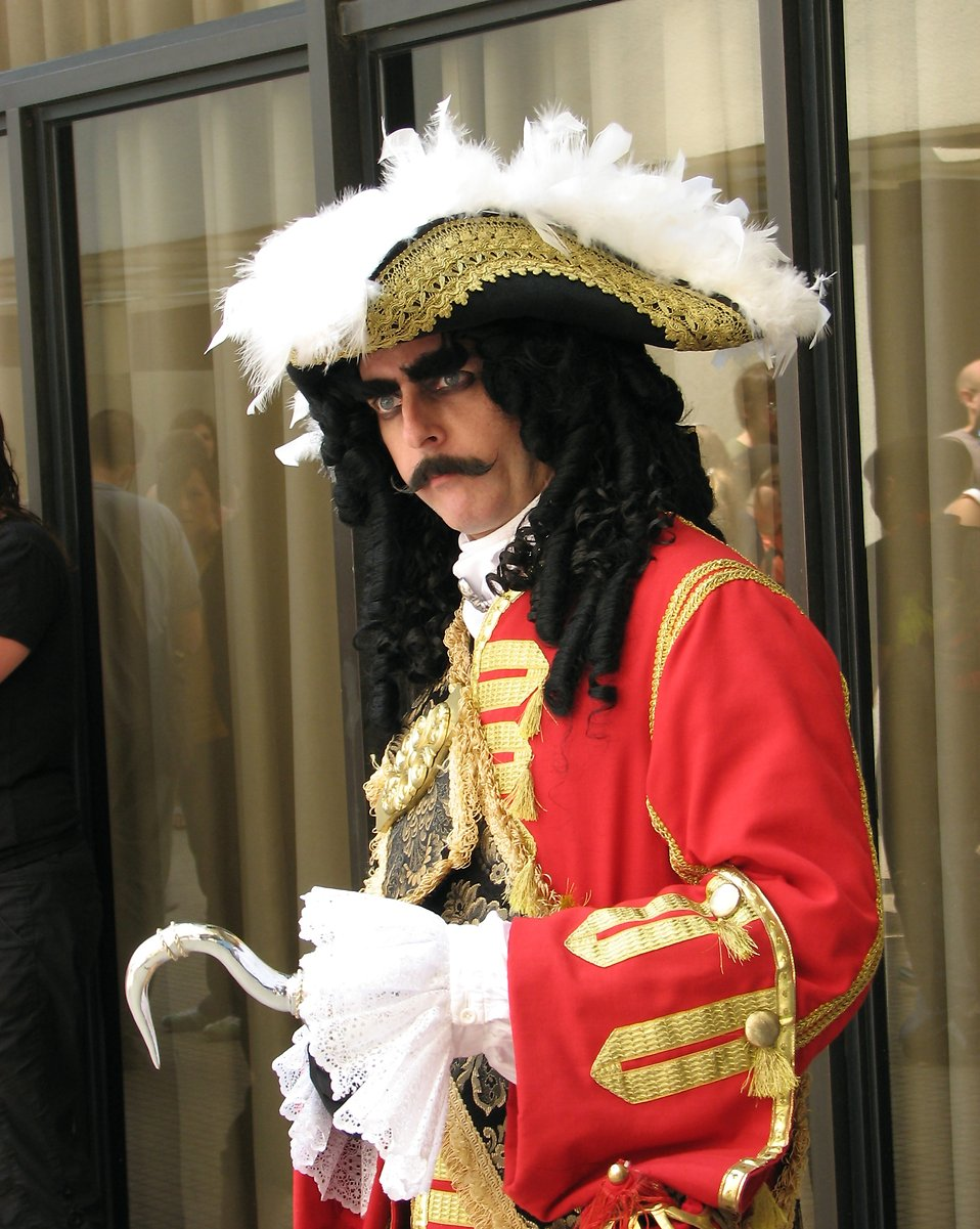 Man in Captain Hook costume at Dragoncon 2008 : Free Stock Photo