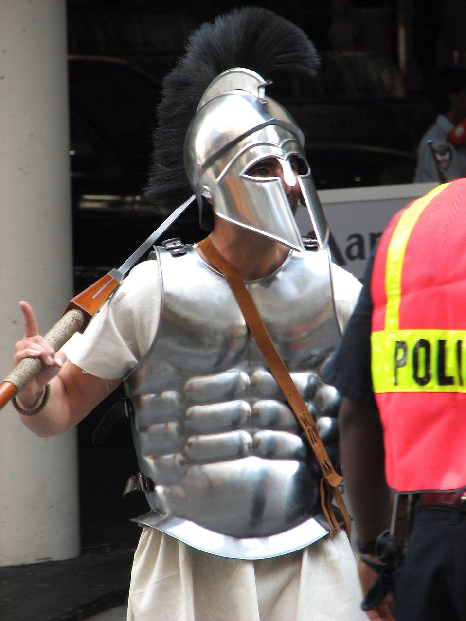 Man in armor with a police officer at Dragoncon 2008 : Free Stock Photo