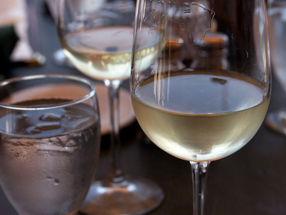 Glasses of white wine and water : Free Stock Photo