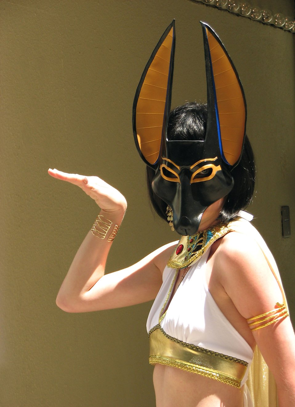 Beautiful girl in Egyptian costume at Dragoncon 2008 : Free Stock Photo