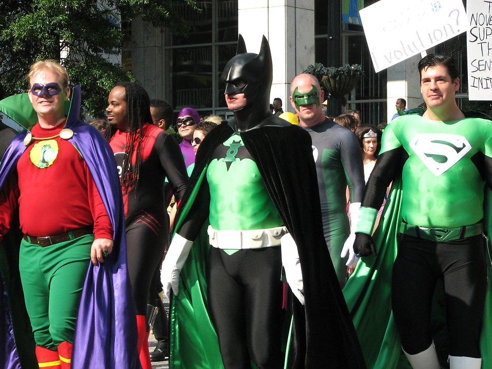 Men in superhero costumes in the 2008 Dragoncon parade : Free Stock Photo