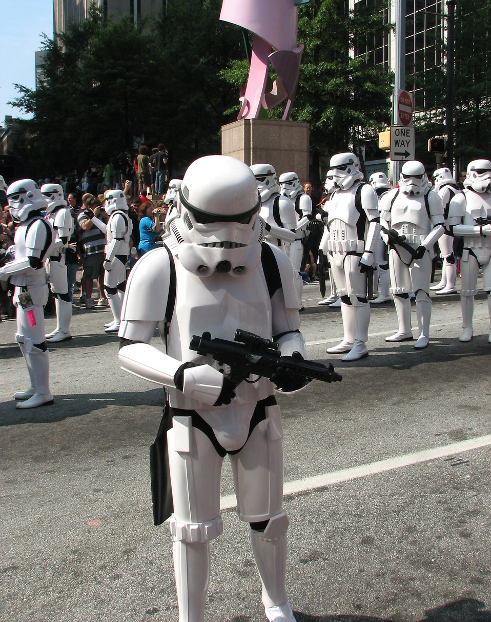Stormtroopers marching in the 2008 Dragoncon parade : Free Stock Photo
