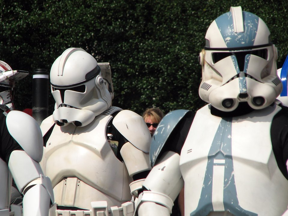 Clone Troopers marching in the 2008 Dragoncon parade : Free Stock Photo