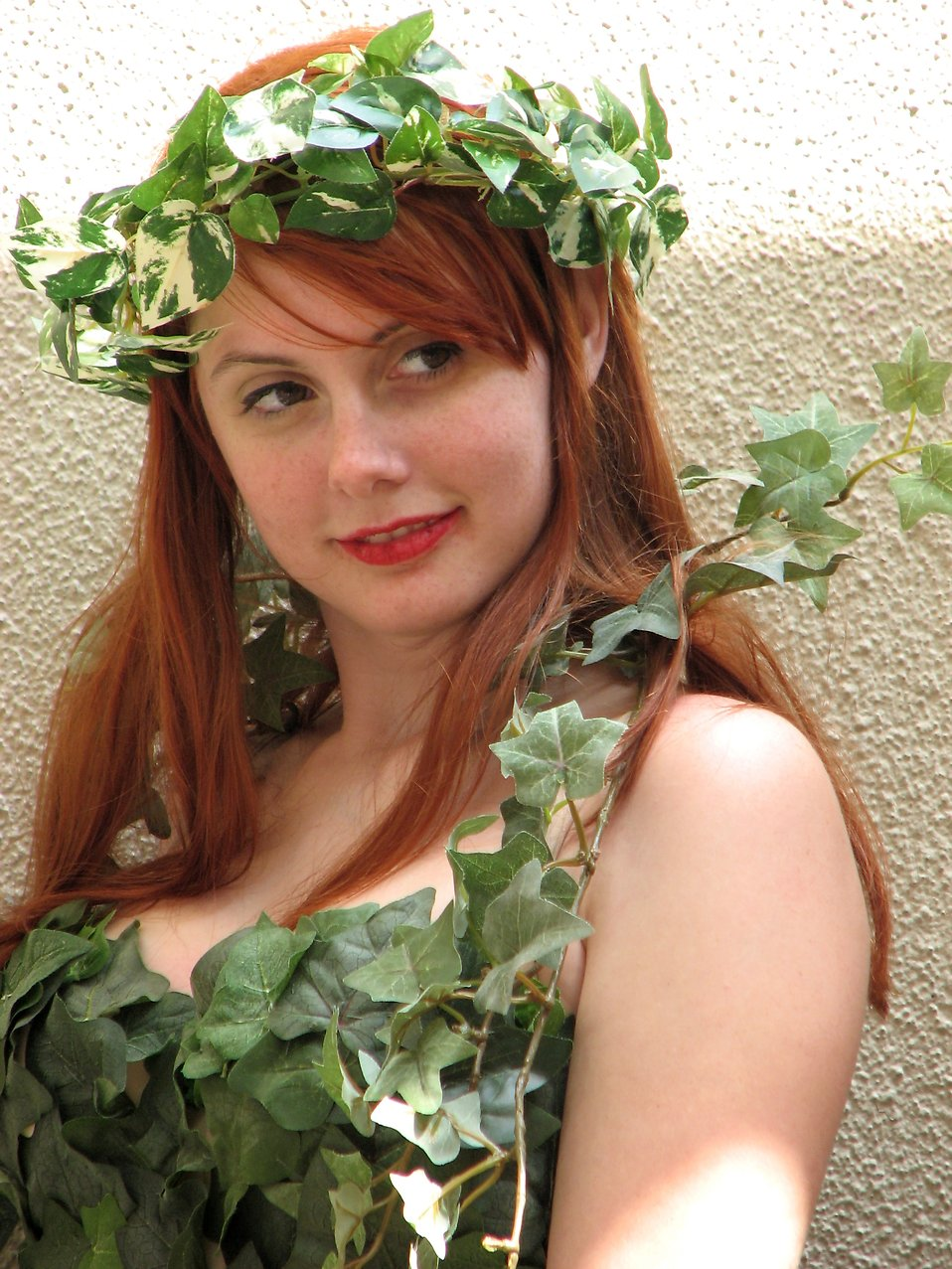 Beautiful girl posing in nature costume at Dragoncon 2008 : Free Stock Photo