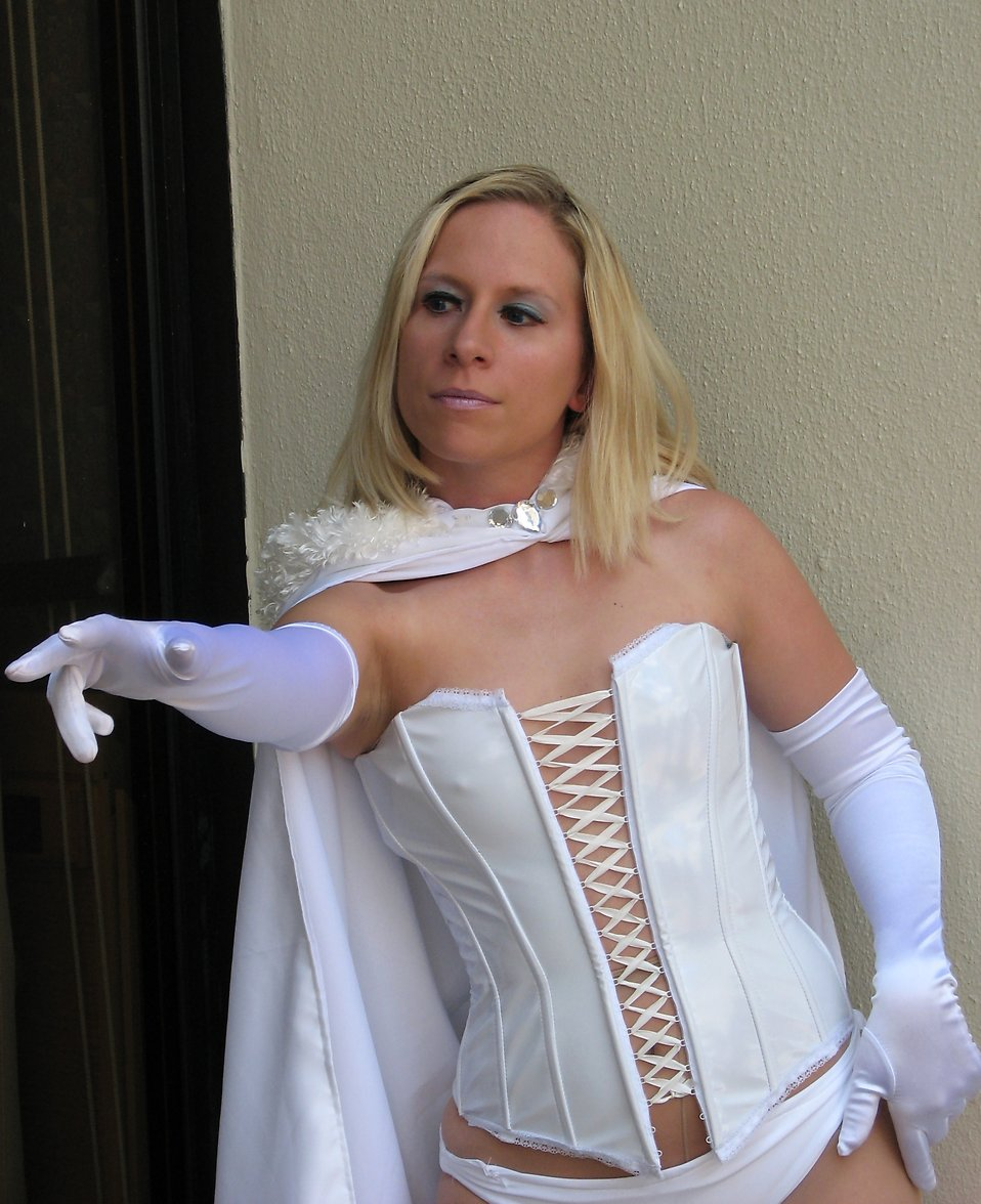 Beautiful blonde woman in a white superhero costume at Dragoncon 2008 : Free Stock Photo