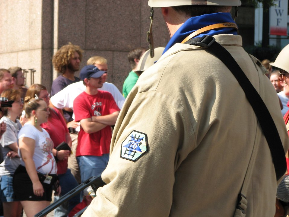 Soldier overlooking crowds at the 2008 Dragoncon parade : Free Stock Photo