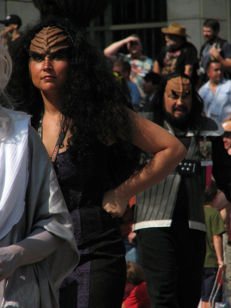 Klingon woman in the 2008 Dragoncon parade : Free Stock Photo
