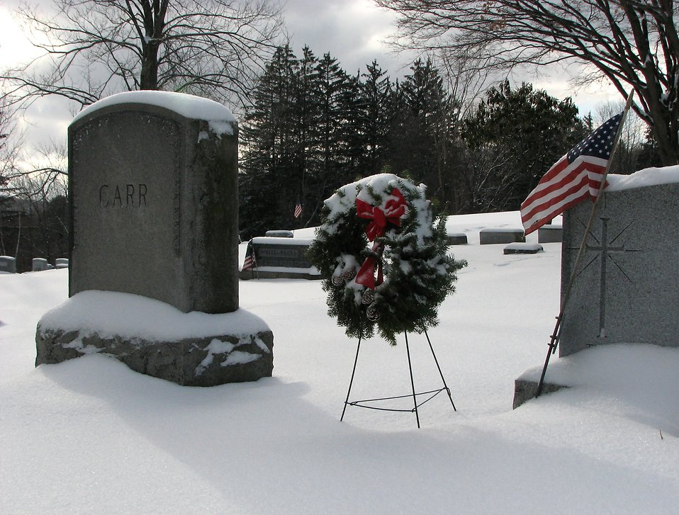 Tombstones with a flag and wreath : Free Stock Photo