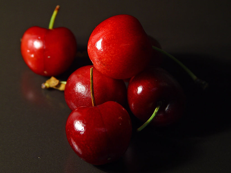 Close up of red cherries : Free Stock Photo