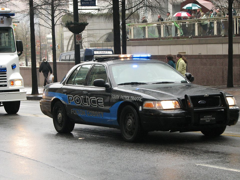 A police car in the 2009 Atlanta Saint Patricks Day Parade : Free Stock Photo