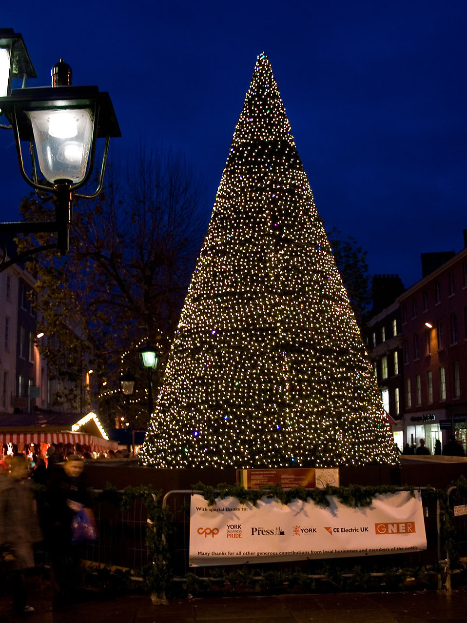 A Christmas tree in York : Free Stock Photo