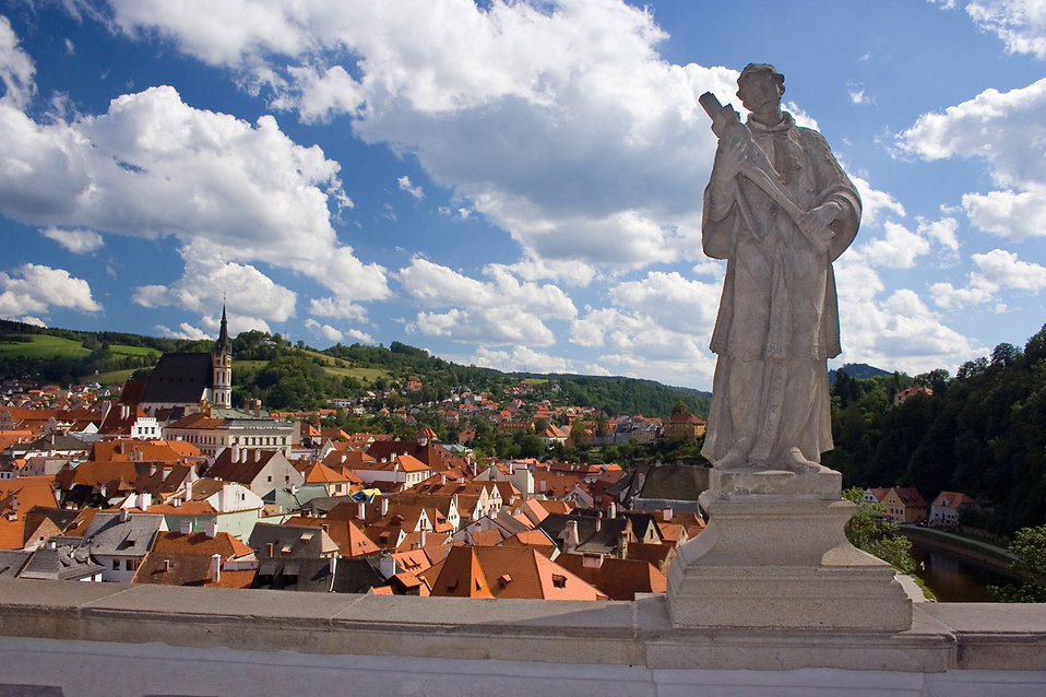 A statue in the castle with a view on Cesky Krumlov town : Free Stock Photo