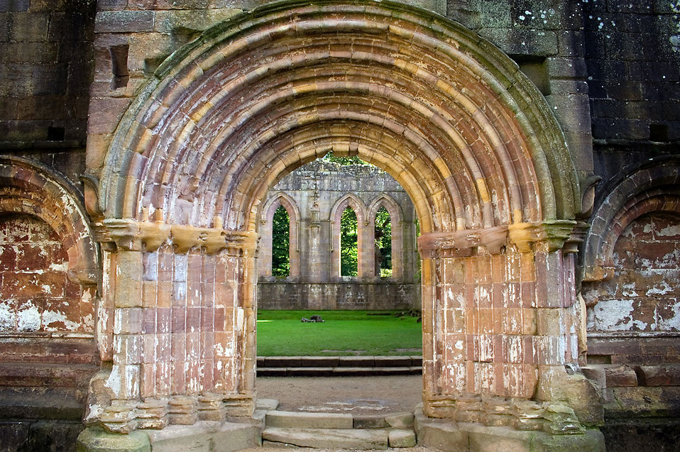 An old stone gate in Fountains Abbey in Yorkshire : Free Stock Photo