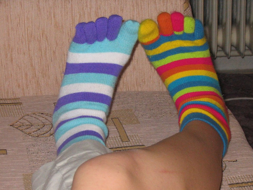 Feet with mismatched socks : Free Stock Photo