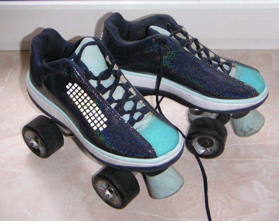A pair of blue roller skates : Free Stock Photo