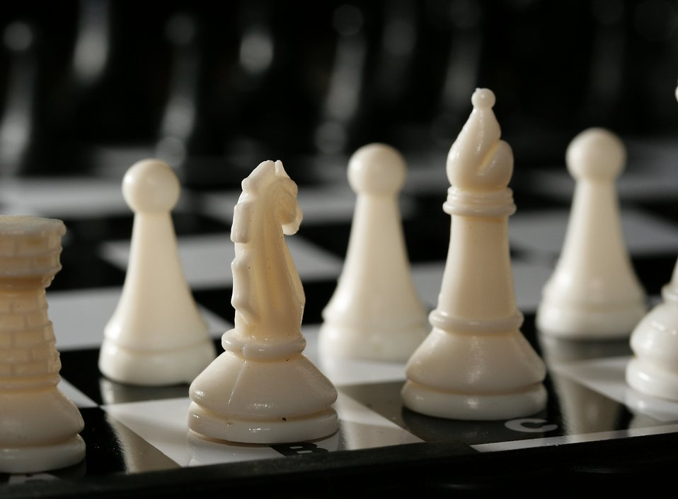 Close-up of white chess pieces : Free Stock Photo