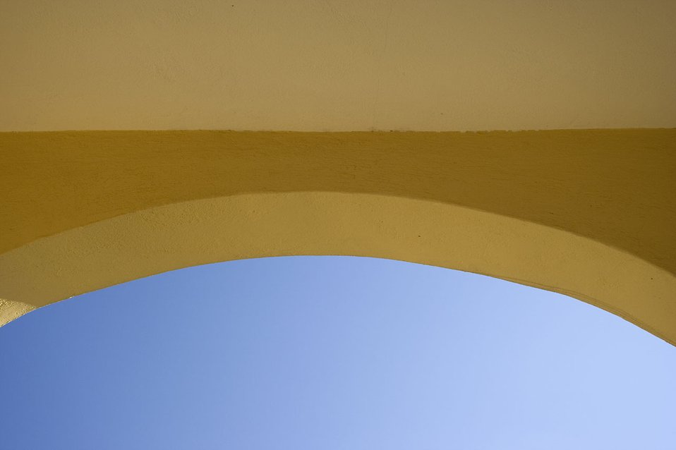 A window archway : Free Stock Photo