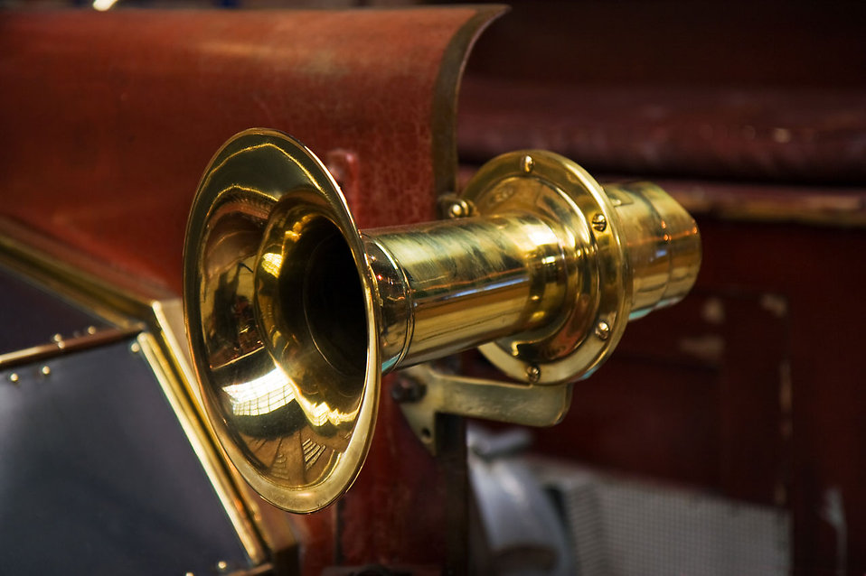 An old car horn : Free Stock Photo