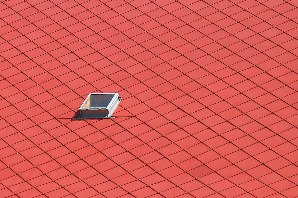 A red tiled roof : Free Stock Photo