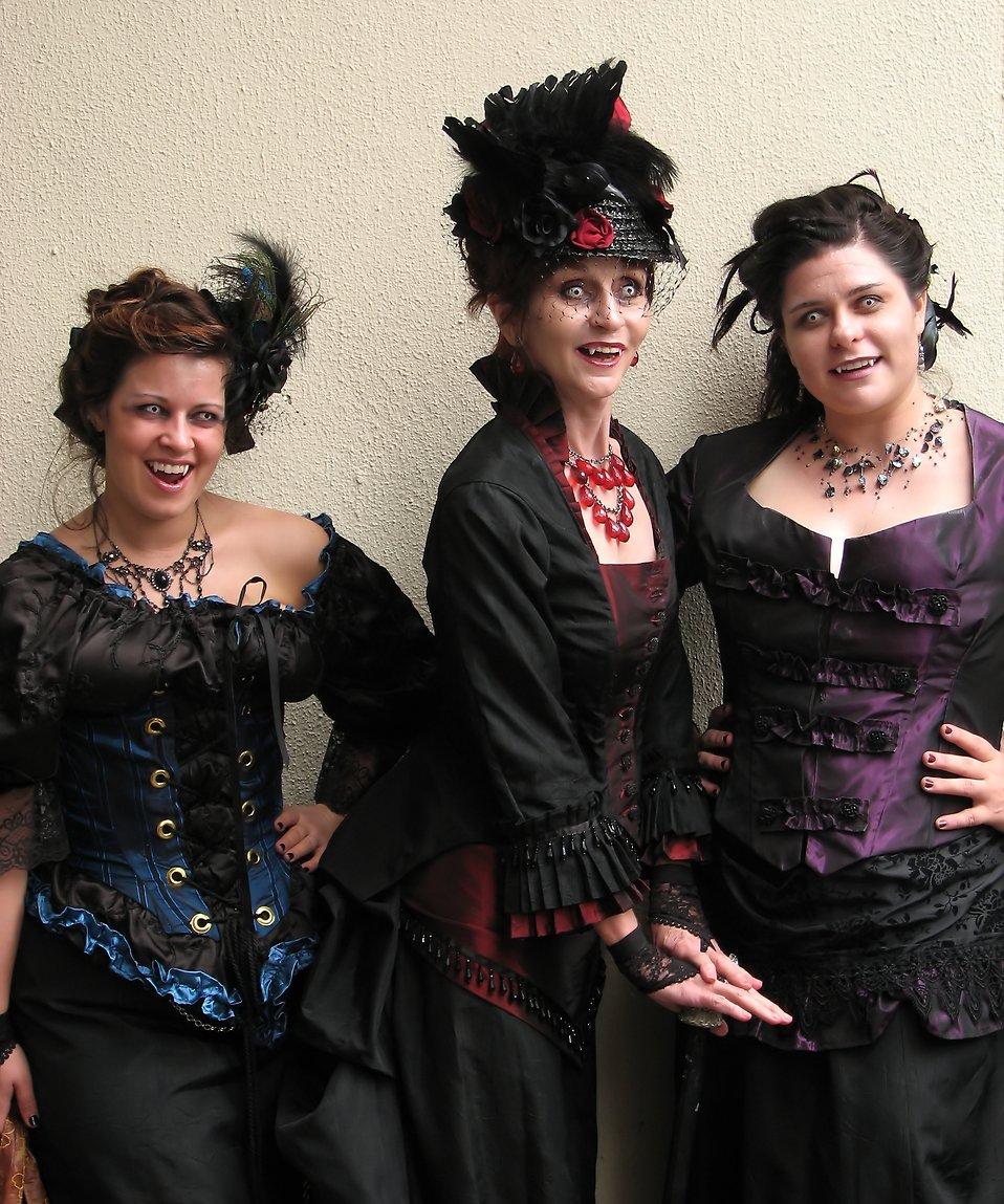 Women in vampire costumes at Dragoncon 2009 in Atlanta, Georgia : Free Stock Photo