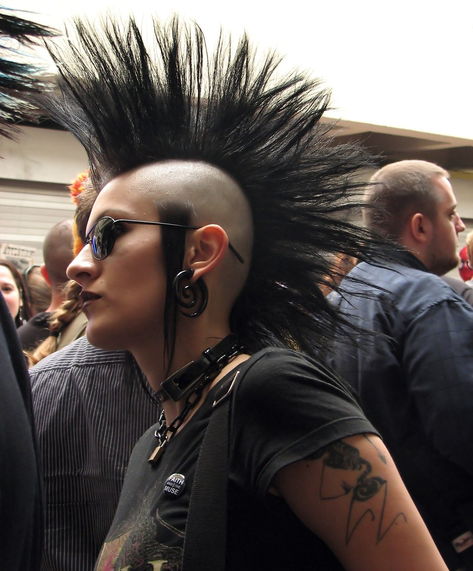 A woman with a mohawk at Dragoncon 2009 in Atlanta, Georgia : Free Stock Photo