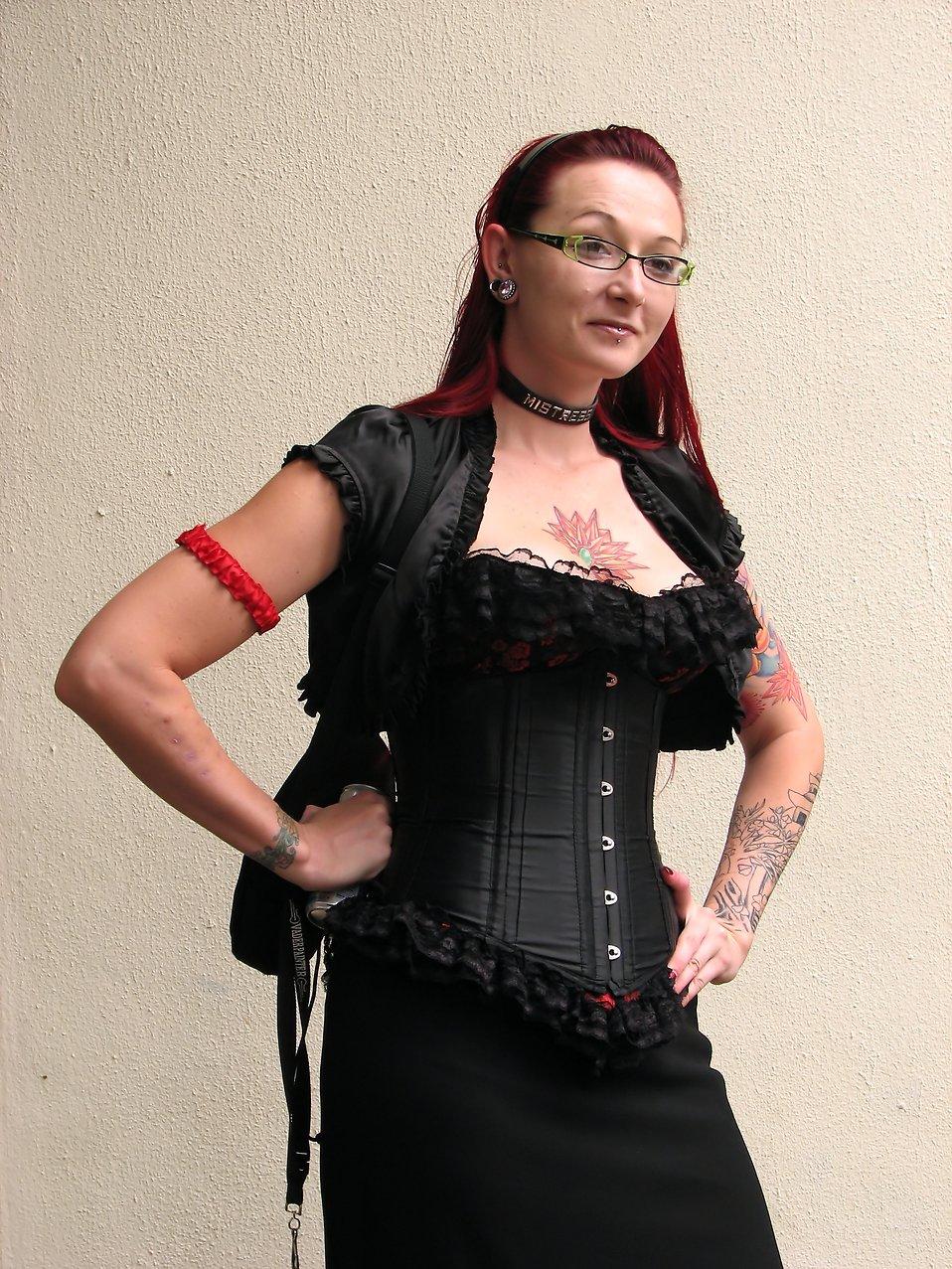 A woman in a costume at Dragoncon 2009 in Atlanta, Georgia : Free Stock Photo