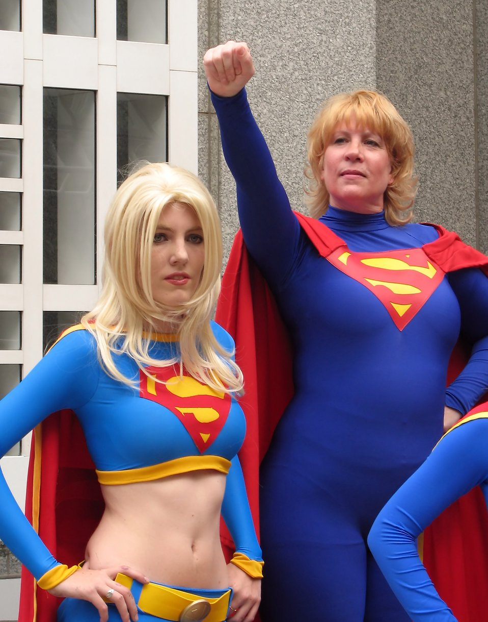A group of women in Supergirl costumes at Dragoncon 2009 in Atlanta, Georgia : Free Stock Photo