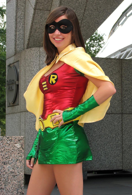 A beautiful girl in a Robin costume at Dragoncon 2009 in Atlanta, Georgia : Free Stock Photo