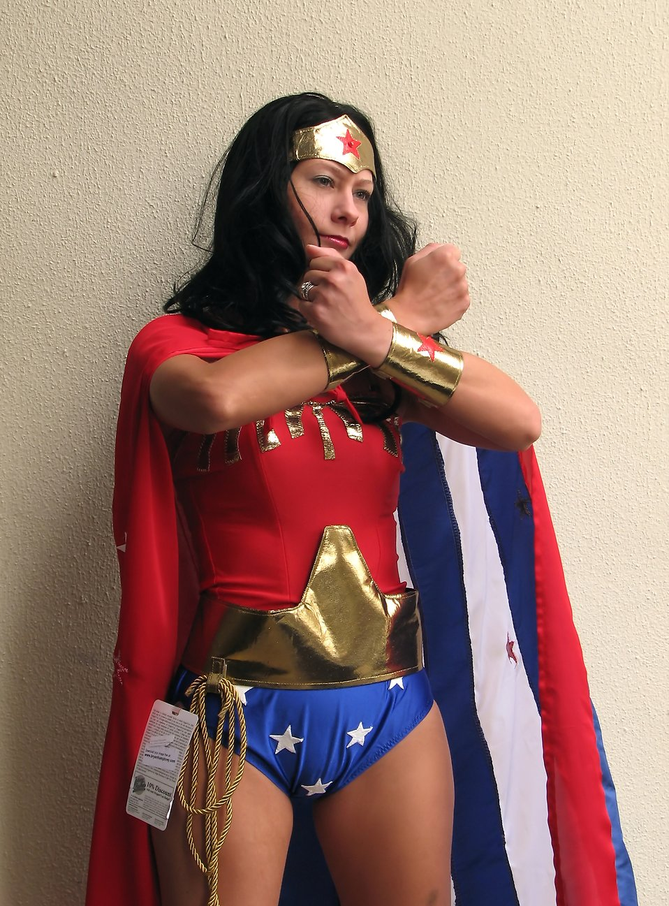 A beautiful girl in a Wonder Woman costume at Dragoncon 2009 in Atlanta, Georgia : Free Stock Photo