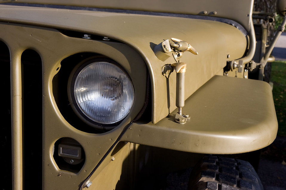 Close-up of a parked military jeep : Free Stock Photo