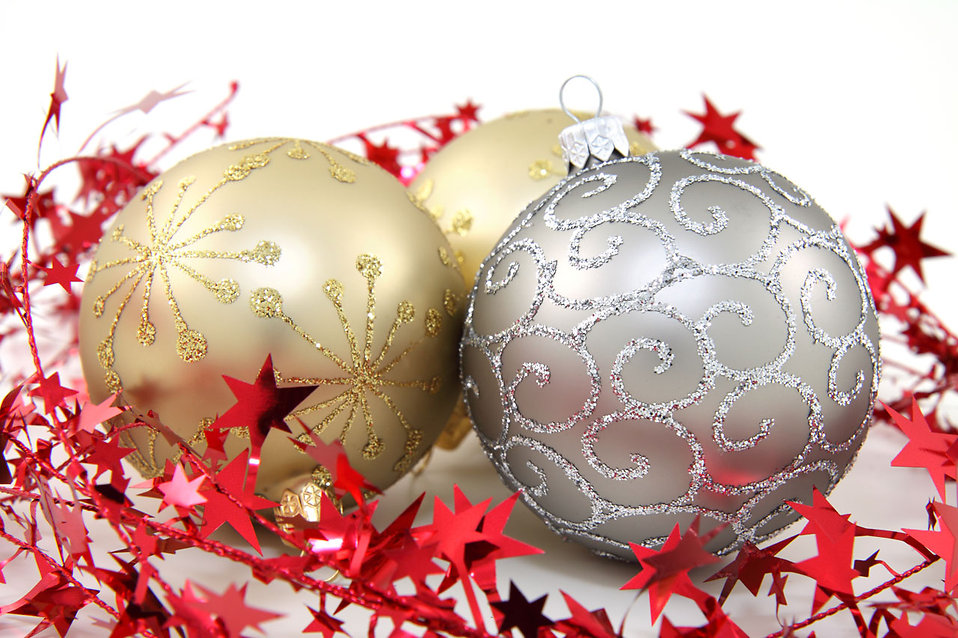 Gold and silver Christmas ornaments : Free Stock Photo