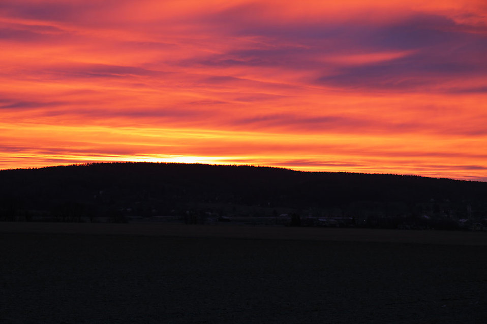 Early morning romantic sunrise : Free Stock Photo