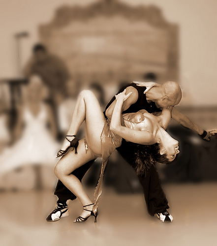A couple dancing : Free Stock Photo