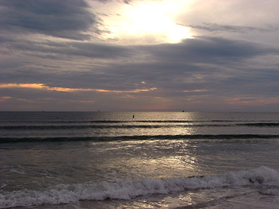An ocean sunset landscape : Free Stock Photo